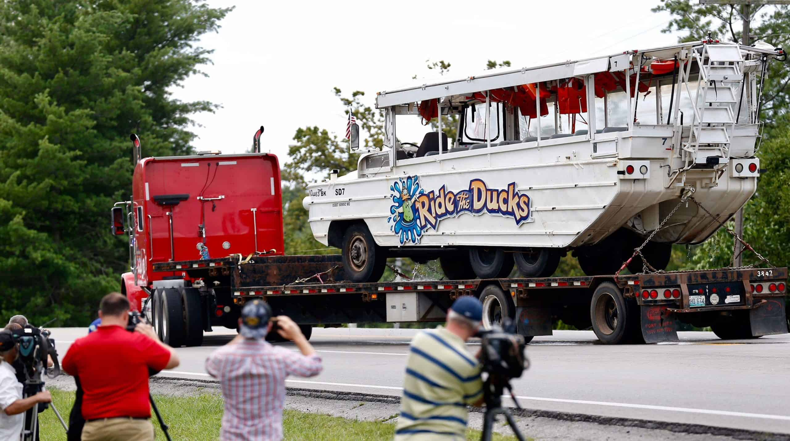 Coast Guard finds probable cause for 'negligence' in Branson duck boat tragedy, feds say