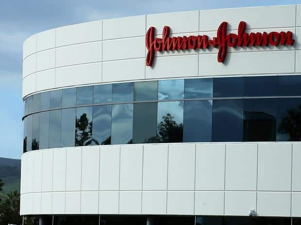 Jury awards $29M to cancer victim in J&J talcum trial