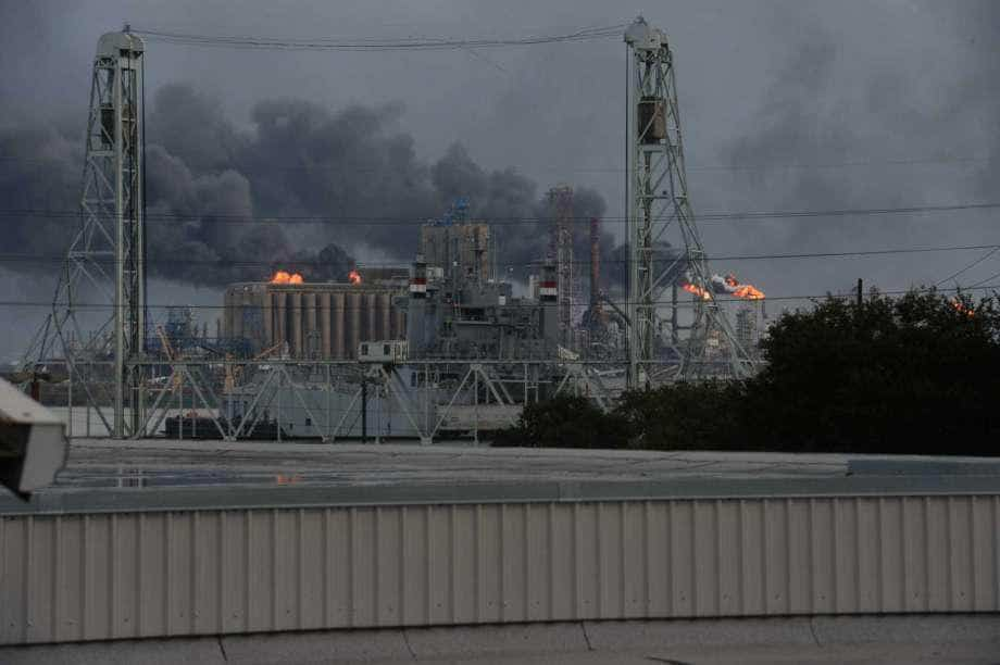 U.S. alleges negligence in ExxonMobil refinery fire that injured 10, killed 2